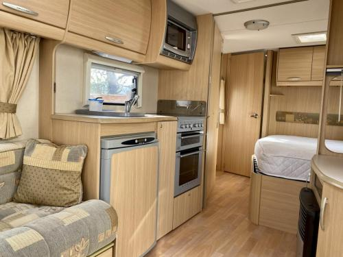 2008 Abbey Freestyle 620 4 Berth Touring Caravan (11)