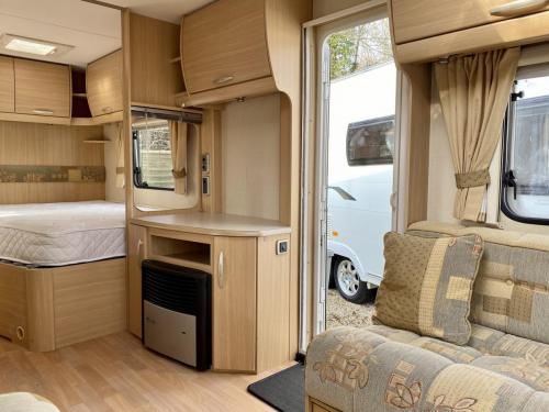 2008 Abbey Freestyle 620 4 Berth Touring Caravan (5)