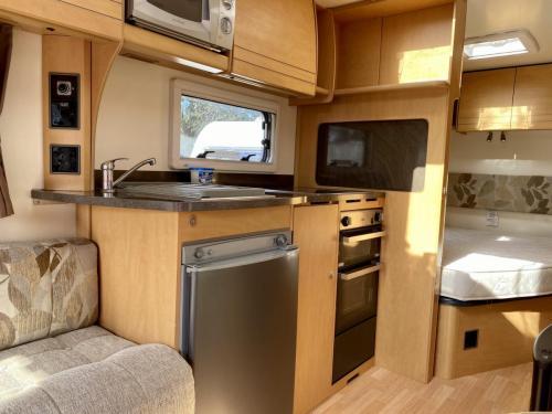2010 Bailey Olympus 464 4 Berth Touring Caravan (5)