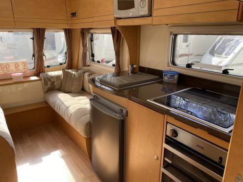 2010 Bailey Olympus 464 4 Berth Touring Caravan (8)