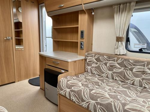 2011 Swift Charisma 240 2 Berth Touring Caravan (6)