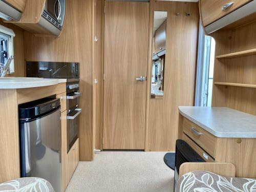 2011 Swift Charisma 240 2 Berth Touring Caravan (7)