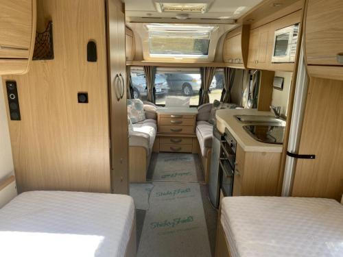 2014 Compass Rallye 574 4 Berth Touring Caravan (12)