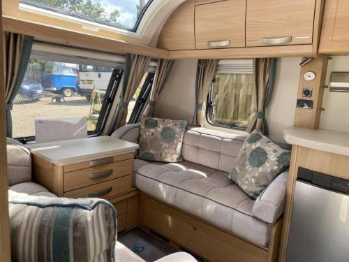 2014 Compass Rallye 574 4 Berth Touring Caravan (3)