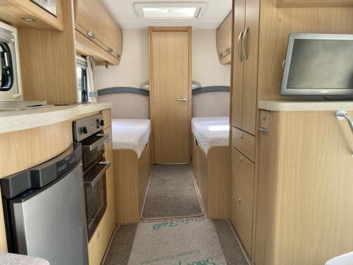 2014 Compass Rallye 574 4 Berth Touring Caravan (6)