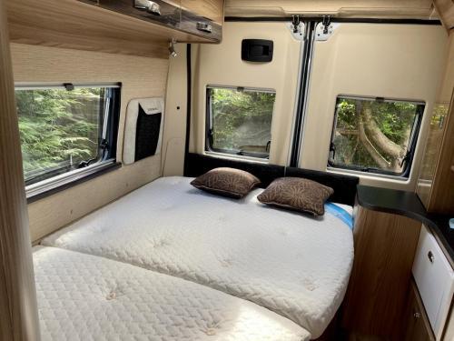 Auto-Cruise Alto 3 Berth Coachbuilt Campervan NG66 VBC (8)