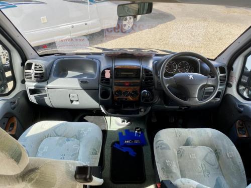 Auto-Sleeper Executive 2 Berth Coachbuilt Motorhome NU52 NTO (3)
