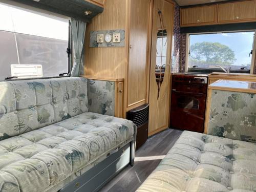 Auto-Sleeper Executive 2 Berth Coachbuilt Motorhome NU52 NTO (5)