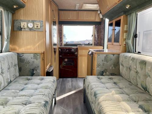 Auto-Sleeper Executive 2 Berth Coachbuilt Motorhome NU52 NTO (6)