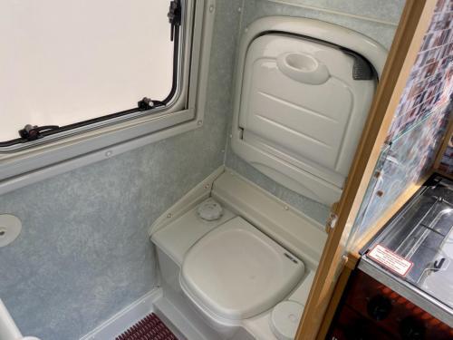 Auto-Sleeper Executive 2 Berth Coachbuilt Motorhome NU52 NTO (8)