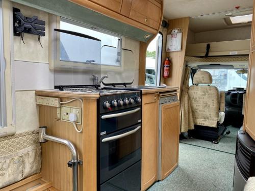 Auto-Sleeper Ravenna 4 Berth Coachbuilt Motorhome NX55 KGY (10)