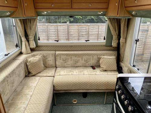 Auto-Sleeper Ravenna 4 Berth Coachbuilt Motorhome NX55 KGY (9)