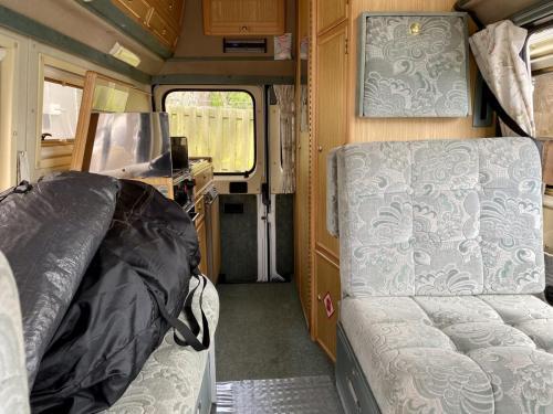Auto-Sleeper Symphony 4 Berth Petrol Campervan P914 HTV (5)