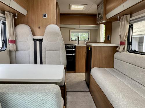 Auto-Trail Imala 620 5 Berth Coachbuilt Motorhome NX65 BXJ (4)