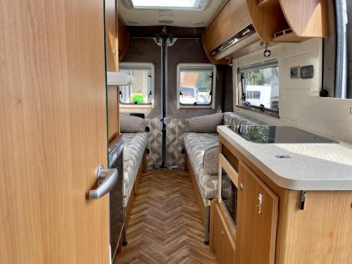 Autocruise Rhythm 2 Berth Coachbuilt Campervan NB08 DJB (9)