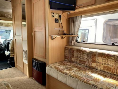 Elddis Avantgarde 400 4 Berth Coachbuilt Motorhome NX53 FFD (3)