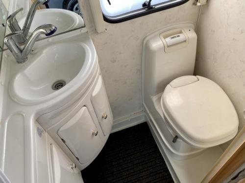 Elddis Avantgarde 400 4 Berth Coachbuilt Motorhome NX53 FFD (5)