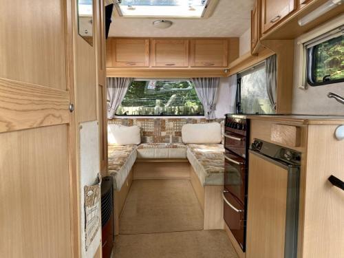 Elddis Avantgarde 400 4 Berth Coachbuilt Motorhome NX53 FFD (7)
