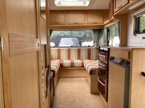 Elddis Firestorm 200 4 Berth Coachbuilt Motorhome NY03 LLC (9)