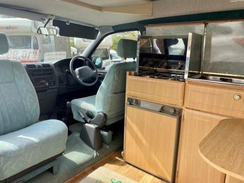 Elddis Hi Life GSX 2 Berth High Top Campervan FM02 HKA-2