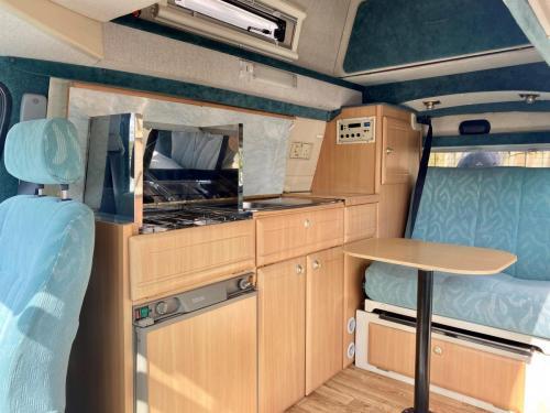 Elddis Hi Life GSX 2 Berth High Top Campervan FM02 HKA-4