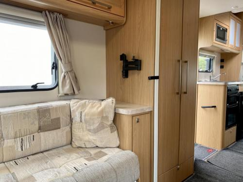 Elddis Majestic 180 6 Berth Coachbuilt Motorhome HX13 AKK (11)