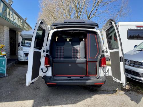 Volkswagen Transporter 6.1 Swomper Edition 4 Berth Pop Top Campervan NV70 KNL (10)