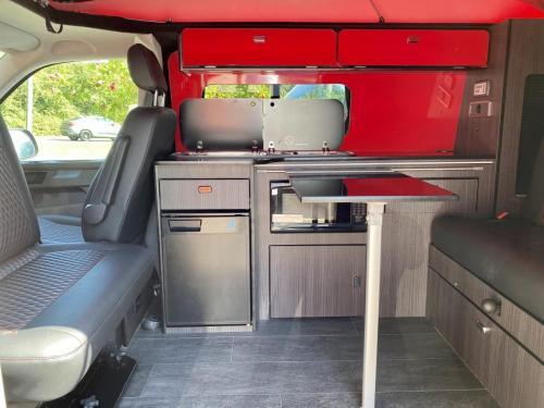 Volkswagen Transporter T28 4 Berth Pop Top Campervan GD70 RFO (3)