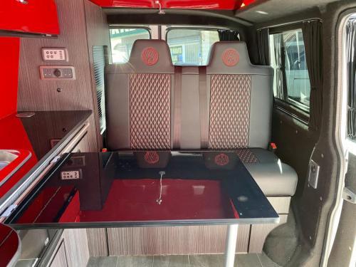 Volkswagen Transporter T28 4 Berth Pop Top Campervan GD70 RFO (7)