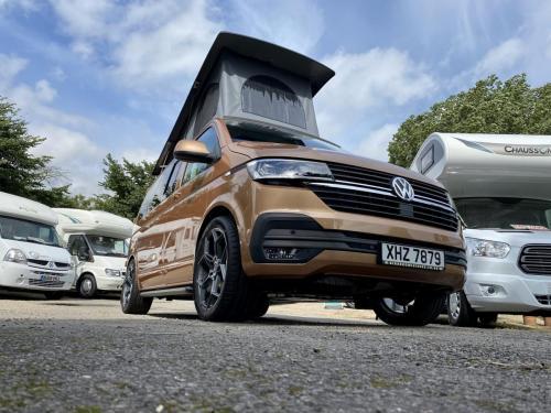 Volkswagen Transporter T30 Highline 4 Berth Pop-Top Campervan XHZ 7879 (6)
