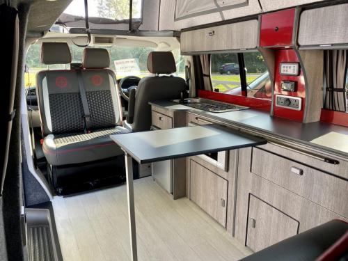 Volkswagen Transporter T6 LWB T30 4 Berth Pop Top Campervan NRZ 5189 (10)