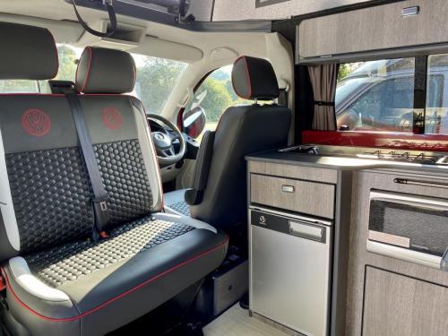 Volkswagen Transporter T6 LWB T30 4 Berth Pop Top Campervan NRZ 5189 (4)